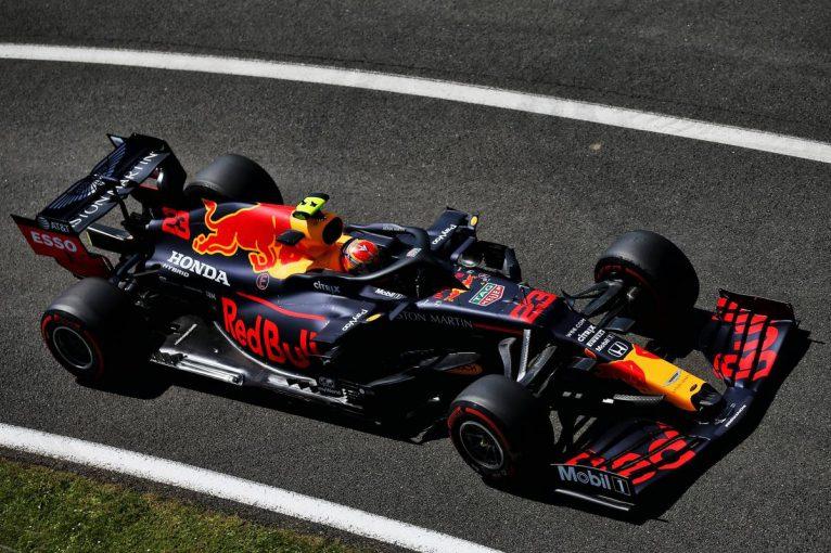 F1 | レッドブル・ホンダ分析:フェルスタッペン&アルボンが揃って好感触「新パーツのおかげでこれまでよりも良い」