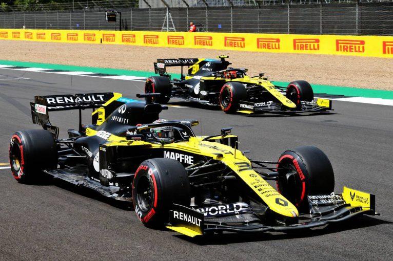 F1 | ルノーF1、日本GPで使用予定だった『桜吹雪』デザインのキャップを70周年記念GPで使用