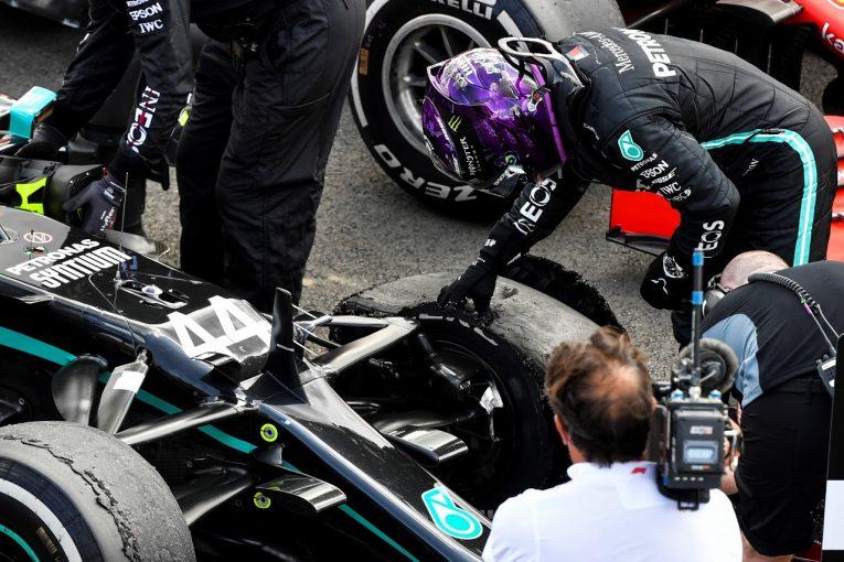 F1 | ハミルトン、3輪でつかんだ勝利「フェルスタッペンに追い詰められ、心臓が止まるかと思った」メルセデス【F1第4戦決勝】