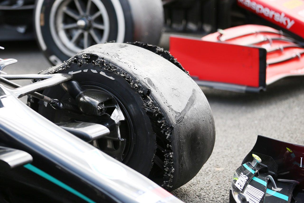 2020年F1第4戦イギリスGP ルイス・ハミルトン(メルセデス)のパンクしたタイヤ