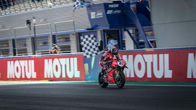 MotoGP   優勝したレディング「今日は極限のコンディションだった」/SBK第2戦スペイン レース1コメント