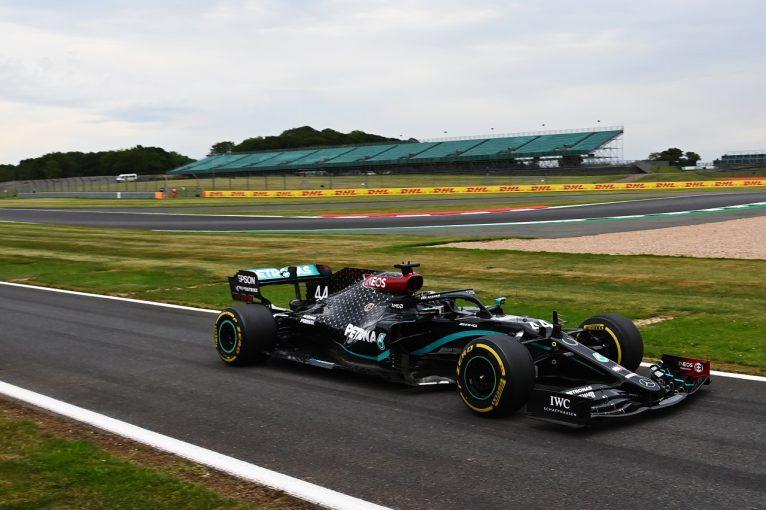 F1 | ハミルトン初日トップ「イギリス2戦目なので開発パーツを試し実験をした」とメルセデス【F1第5戦金曜】