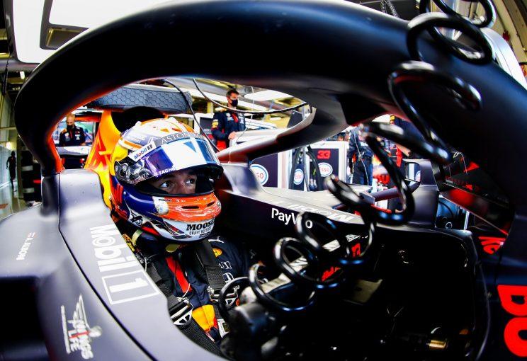 F1   アルボン、Q3でタイム更新できず9番手「自信があったのに、すべてが変わった」レッドブル・ホンダ【F1第5戦予選】