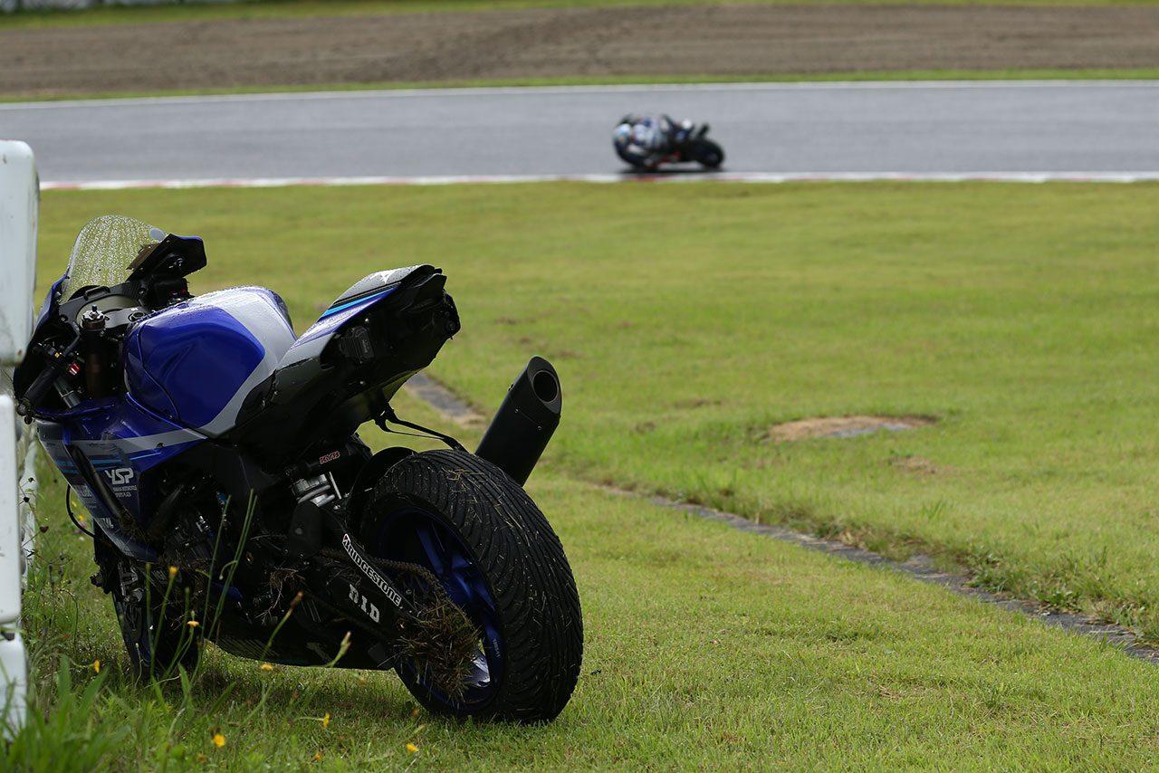 ヤマハの野左根がポール・トゥ・ウイン。新型CBR駆る清成と濱原が表彰台獲得/全日本ロード第1戦SUGO JSB1000レース1