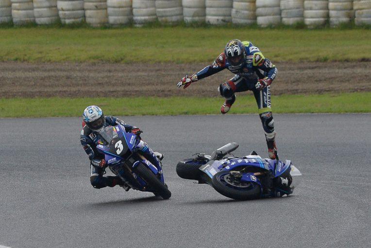 MotoGP   ヤマハの野左根がポール・トゥ・ウイン。新型CBR駆る清成と濱原が表彰台獲得/全日本ロード第1戦SUGO JSB1000レース1