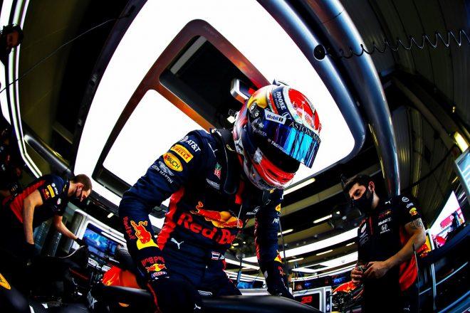 F1 | アルボン5位「マシンが信じられないほど速かった。理由が分からない」レッドブル・ホンダ【F1第5戦決勝】