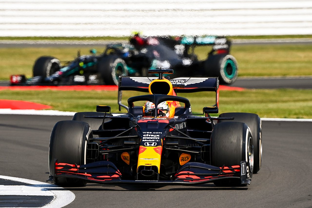 F1 | レッドブルのホーナー代表「同じ戦略を採るチームがいなかったことに驚いた」/F1第5戦決勝会見