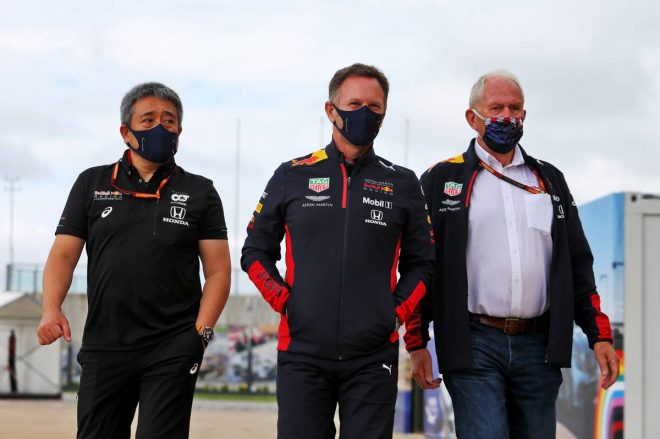 2020年F1第5戦70周年記念GP ホンダF1山本雅史マネージングディレクター(左)、クリスチャン・ホーナー(中央)、ヘルムート・マルコ(右)