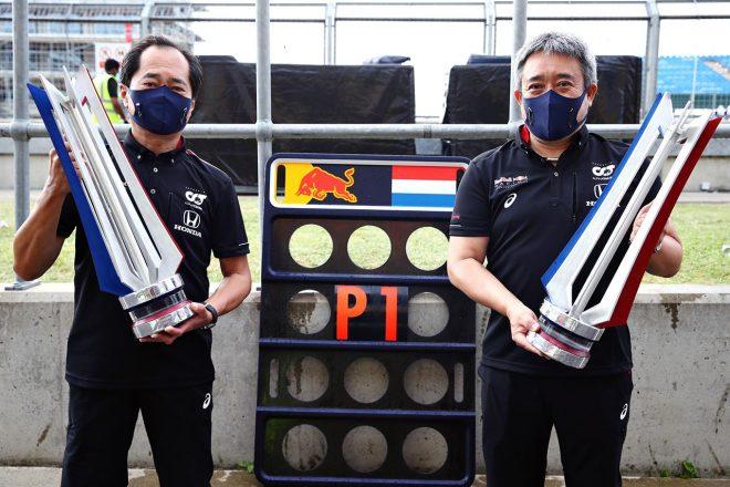 2020年F1第5戦今季初優勝を果たしたホンダF1の田辺豊治氏(左)、山本雅史氏(右)