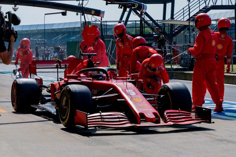 F1 | フェラーリF1、ベッテルのシャシーを交換。縁石による小さな不具合を発見
