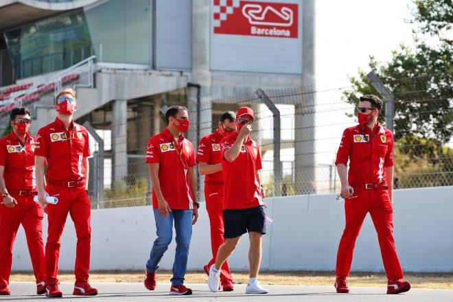 2020年F1第6戦スペインGP木曜 コース下見をするセバスチャン・ベッテル(フェラーリ)