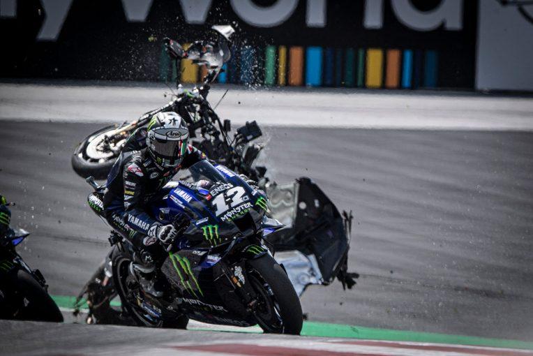 MotoGP | マシンが直撃寸前だったロッシとビニャーレス「とても怖かった。僕たちは、今夜誰かに祈らなければ」/MotoGP第5戦