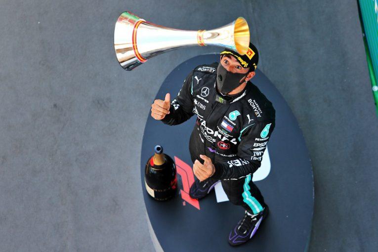F1   F1引退を意識し始めたハミルトン、メルセデスとの新たな提携について協議中