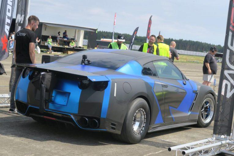 クルマ | 最高速アタックで1800馬力を発生するGT-Rが時速356km/hで優勝【オートスポーツweb的、世界の自動車】