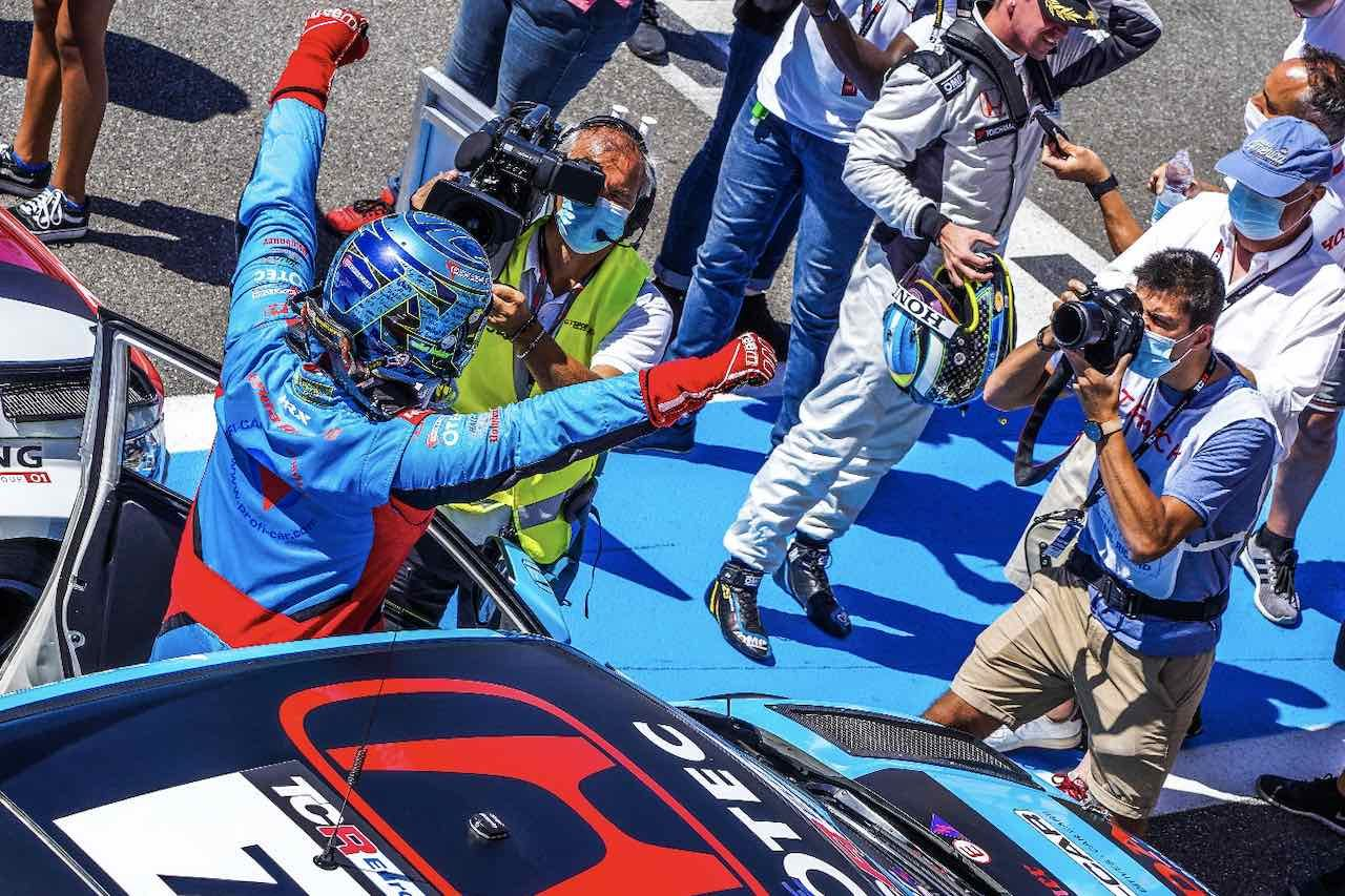 TCRヨーロッパ開幕戦:ホンダ・シビック連勝。ドイツから急遽転身のハルダーが値千金のデビューウイン