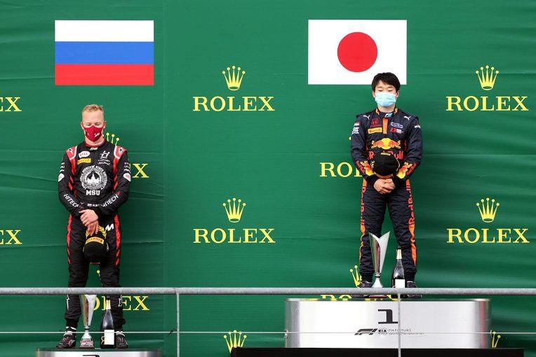 海外レース他 | パルクフェルメで2位ボードをはね飛ばしたマゼピン、5グリッド降格ペナルティも保留中【FIA-F2第7戦ベルギー】