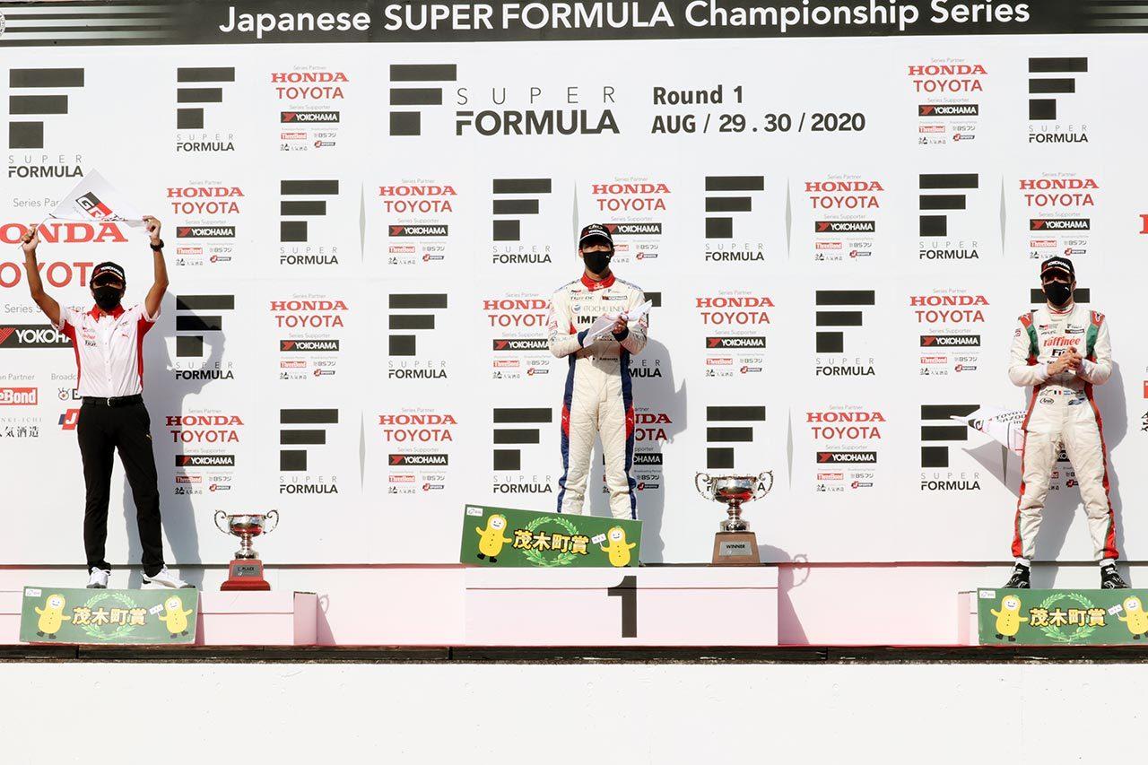 スーパーフォーミュラ第1戦もてぎ表彰式