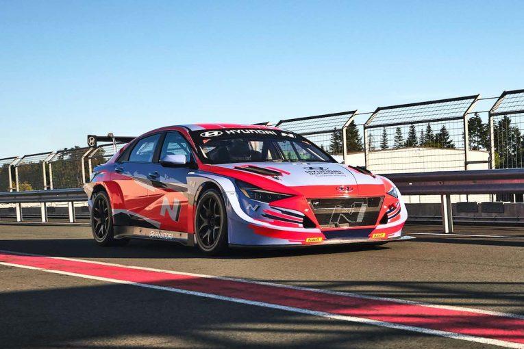 海外レース他 | ヒュンダイ、新型『エラントラ N TCR』ラウンチ。ついに4ドアサルーンの新モデルを投入へ