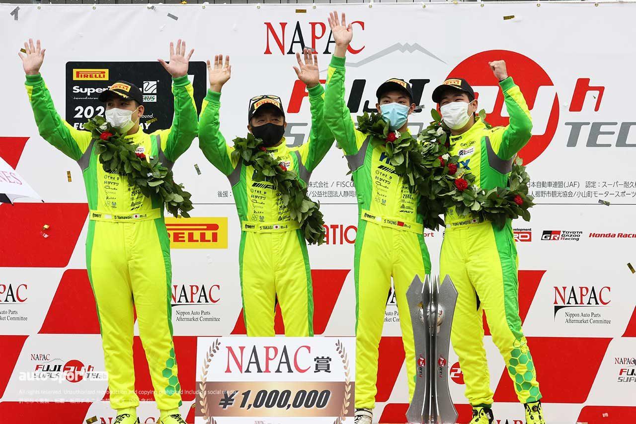 総合優勝を果たしたHIRIX GOOD DAY RACING AMG GT3(山脇大輔/高木真一/ショウン・トン/根本悠生)