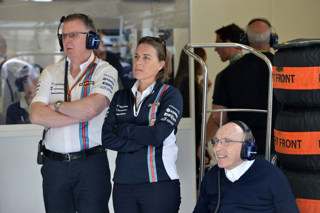 2014年F1オーストリアGP (左から)マイク・オドリスコル、クレア・ウイリアムズ、フランク・ウイリアムズ
