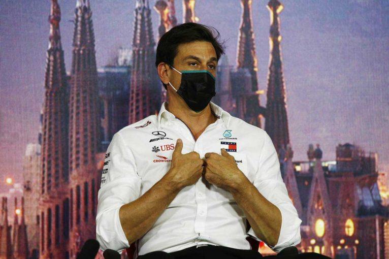 F1 | グランプリのうわさ話:2021年の役職について明言を避けるトト・ウォルフ代表