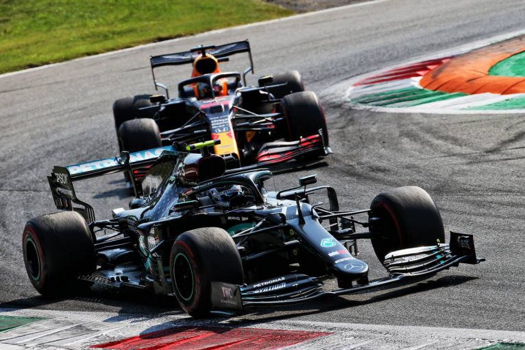F1 | 【F1第8戦無線レビュー(1)】ペースが上がらず、猛追を受けたボッタス「このエンジン設定じゃ戦えない!」