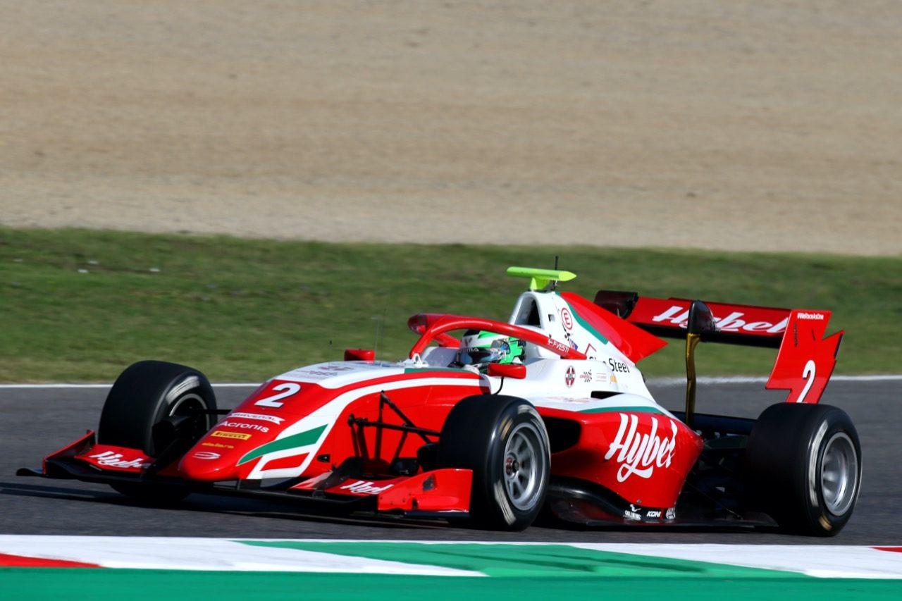 ベスティが3勝目。混沌のタイトル争いはレース2にもつれ込む【順位結果】FIA-F3第9戦イタリア レース1