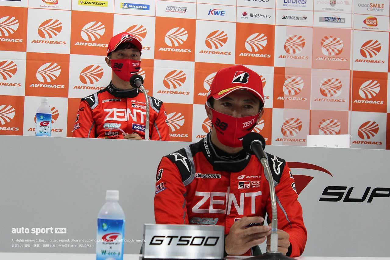 2020 スーパーGT 第4戦もてぎ ポールポジション会見に登場した立川祐路と石浦宏明(ZENT GR Supra)