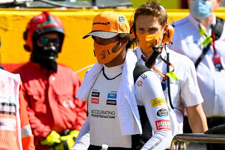 F1   サインツJr.「リスタートで危険な目に遭うのは初めてじゃない。何か手を打たないと」:マクラーレン F1第9戦決勝