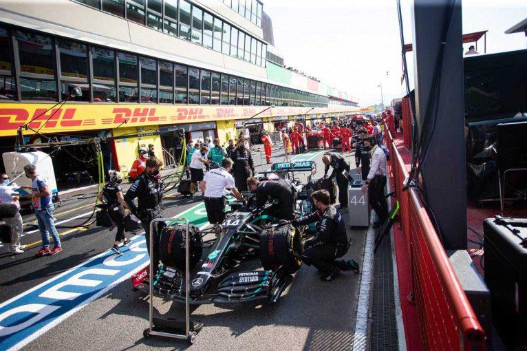 F1   グランプリのうわさ話:話の出どころはエディ・ジョーダン?石油化学会社によるメルセデスF1の買収情報