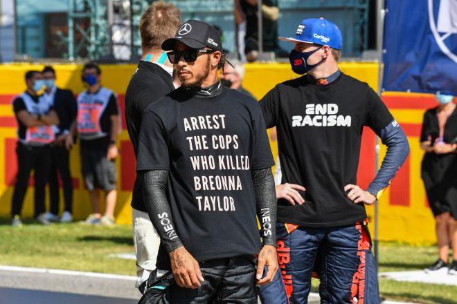 2020年F1第9戦トスカーナGP ルイス・ハミルトン(メルセデス)、ブレオナ・テイラーさんを殺害した警官への抗議の意向を示すTシャツを着用