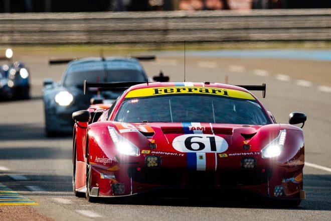 GTEアマクラストップの61号車フェラーリ