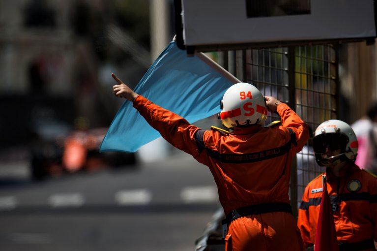 F1   メルセデス技術ボスが青旗廃止を提案「我々にとっては悪夢だが、F1のためには良いこと」