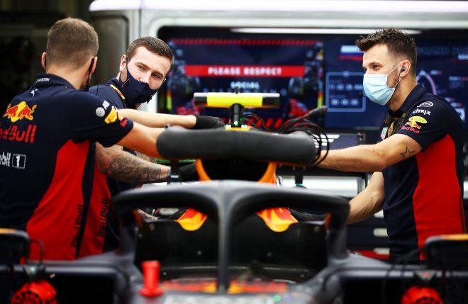 2020年F1第10戦ロシアGP木曜 レッドブル・レーシングのガレージ