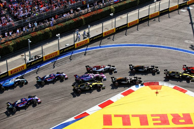 F1 | F1ロシアGP:FIA、ターン12&13での不必要な減速を禁じる。ターン2ではトラックリミット違反を取り締まり