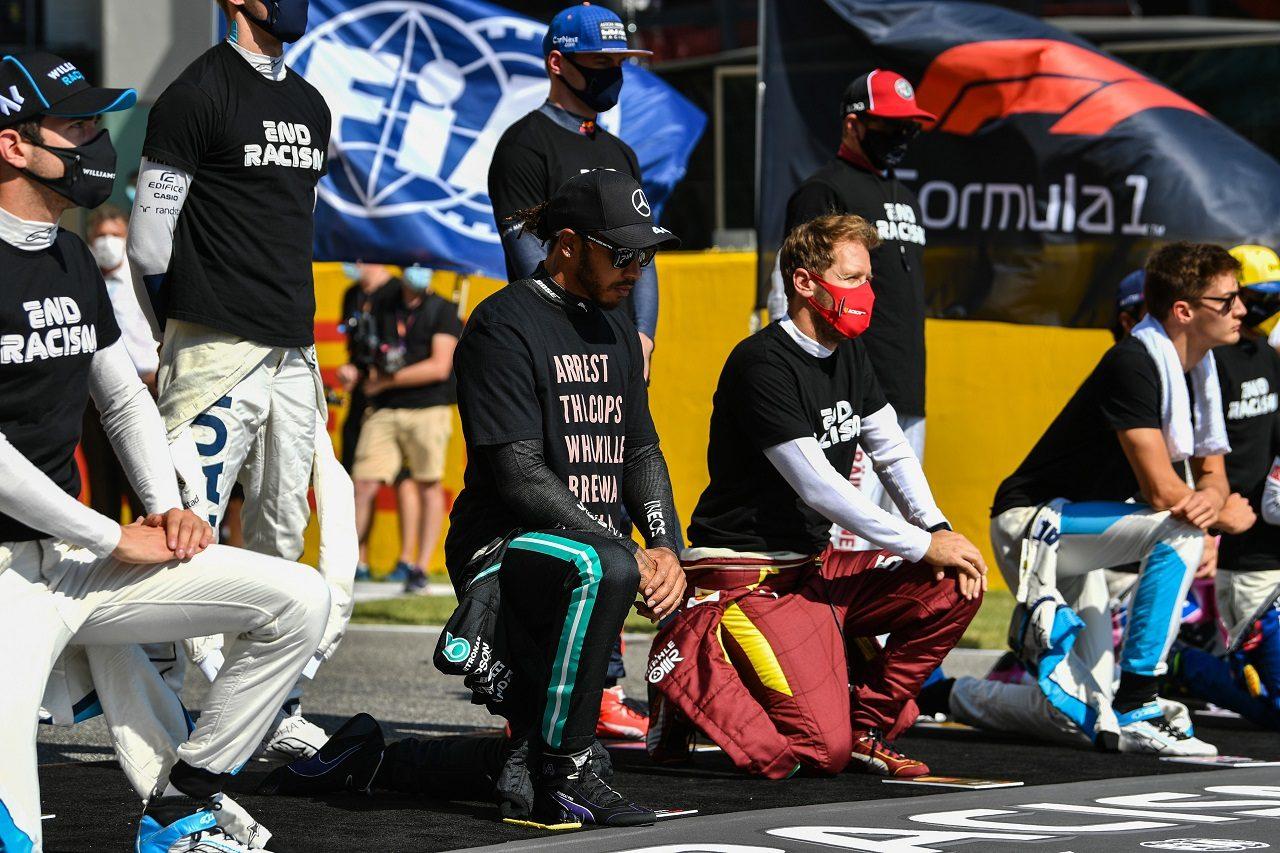 2020年F1トスカーナGP ルイス・ハミルトンなどF1ドライバーたちが「エンド・レイシズム」のメッセージを発信