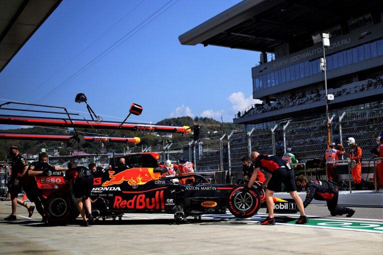 F1   F1ボスがレッドブル提案のエンジン開発凍結を支持「F1全体にとって最良の選択」