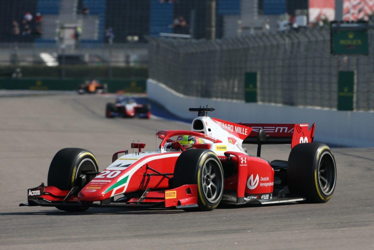 FIA-F2第10戦ロシア レース1:シューマッハーが2勝目。角田裕毅は2位表彰台でランキング4番手も僅差の戦い続く