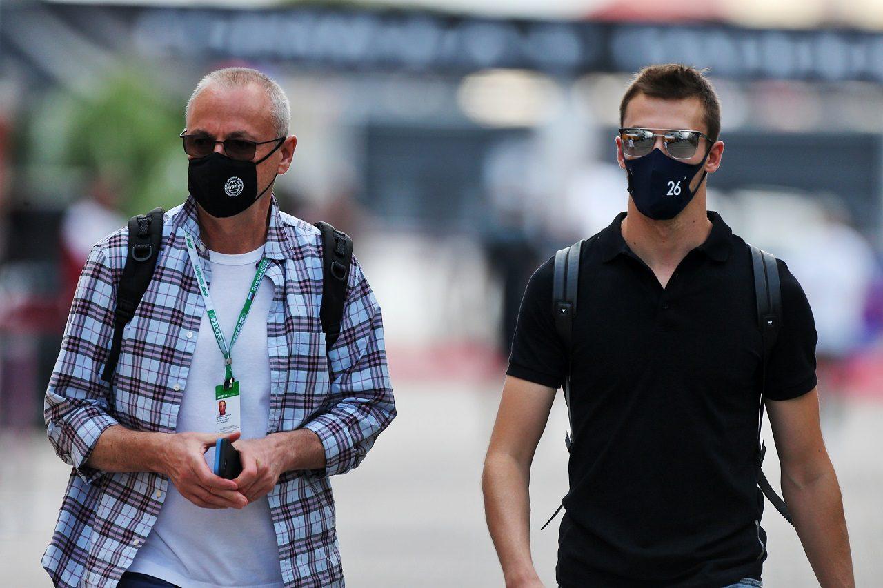 2020年F1第10戦ロシアGP ダニール・クビアト(アルファタウリ・ホンダ)と父親のヴャチェスラフさん