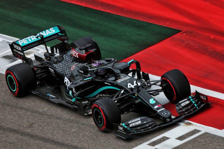 F1 | F1 Topic:ハミルトンがピットレーンでQ2再開を待たなかった理由。タイヤ戦略変更で、レースに影響も