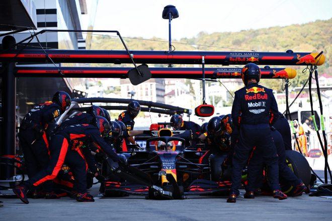2020年F1第10戦ロシアGP マックス・フェルスタッペン(レッドブル・ホンダ)のピットストップ