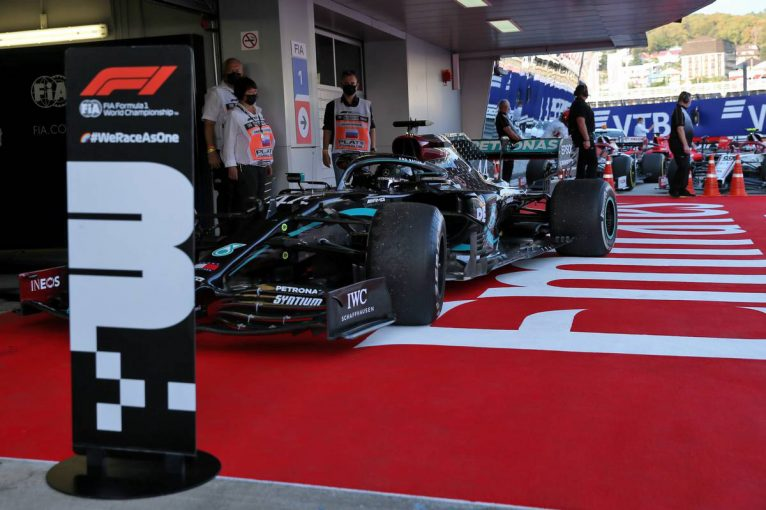 F1 | 【気になる一言】メルセデスF1代表、スタート練習について「正しい位置が明記されていない」とペナルティに不服