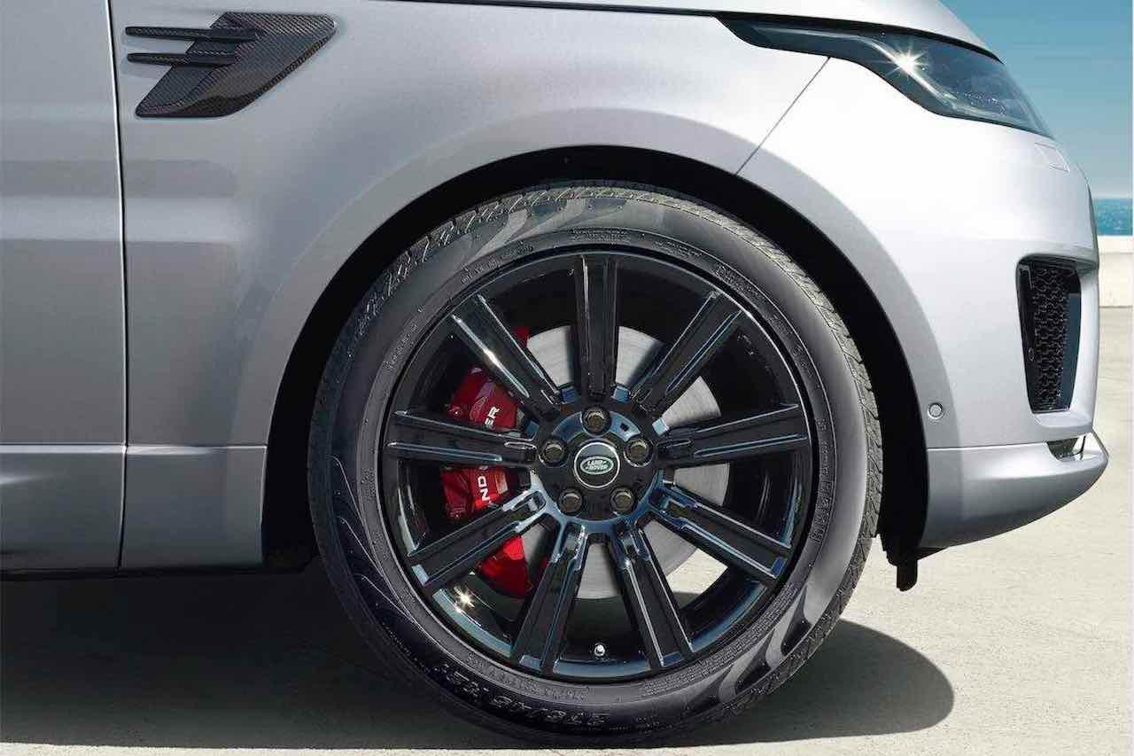 『レンジローバー・スポーツ』に刷新された直列6気筒ディーゼル搭載の2021年モデルが登場