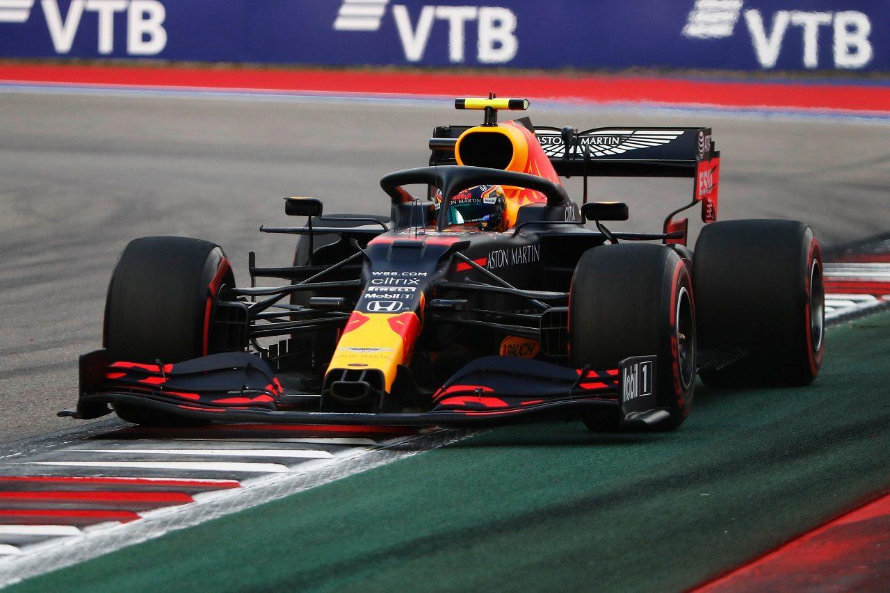 Photo of レッドブルF1代表、アルボンの苦戦を説明「彼が悩むマシン特性がソチのコースレイアウトによって顕著になった」 | F1 | autosport | オートスポーツweb