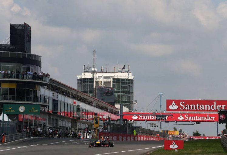 F1   「最大の要素は天候」7年ぶりにF1開催のニュルブルクリンク。この時期は気温が低く雨の可能性も