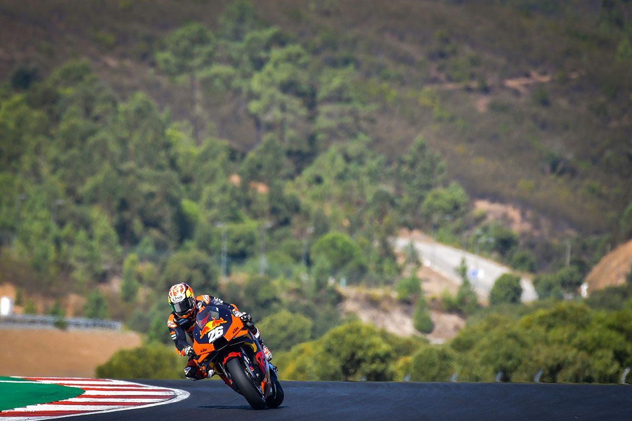MotoGP:初開催のポルティマオで2日間のテストを実施。初日はレギュラーライダーが市販車で走行