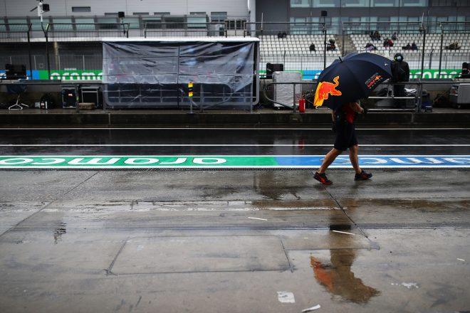2020年F1第11戦アイフェルGP金曜 レッドブル・ホンダのピット