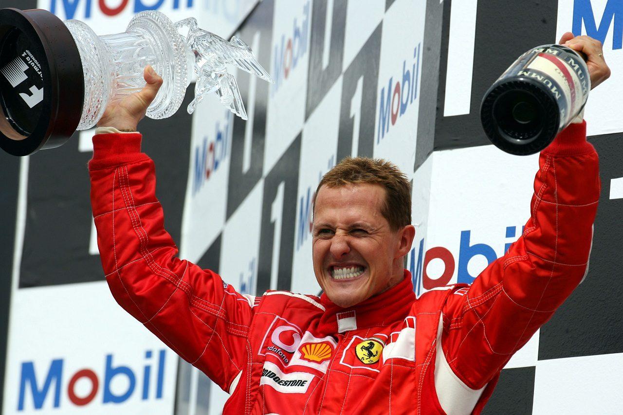 2006年F1ドイツGPで優勝したミハエル・シューマッハー(フェラーリ)