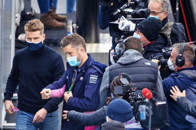 2020年F1第11戦アイフェルGP 土曜予選前にパドックに到着したニコ・ヒュルケンベルグ