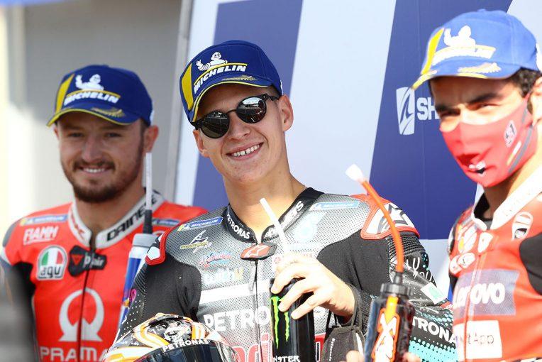MotoGP   ポールシッターのクアルタラロ、予選日は「タイヤを暖めるのが難しかった」/MotoGP第10戦予選トップ3コメント